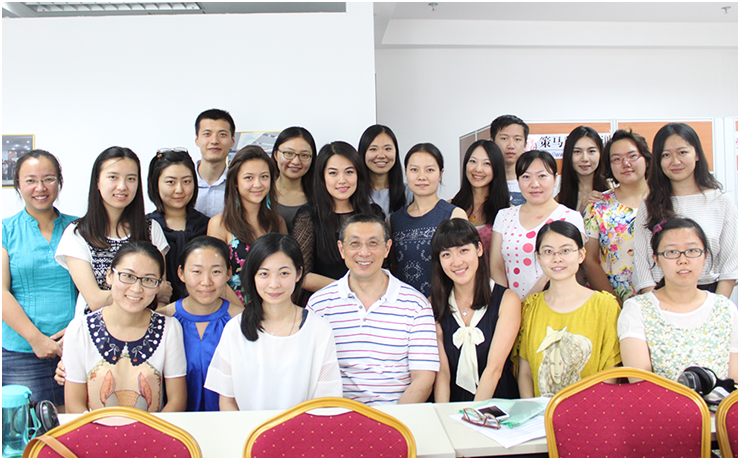 Dr. Kevin Lin (middle), Lead Interpreter (Chinese) of the Foreign Office of the UK Government, and Cema trainees